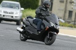 Conduire moto ville