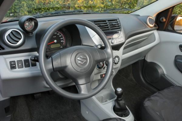 Suzuki Alto 600 3.jpg