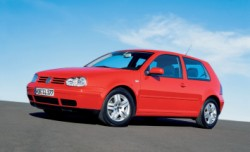 Volkswagen Golf 4 1.jpg