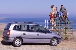 Opel Zafira 1 7.jpg