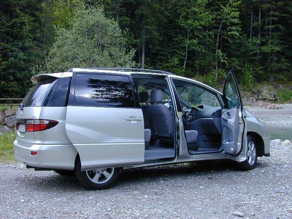 Essai Toyota Previa à Lavantgarde Du Segment Monospace - Monospace porte coulissante