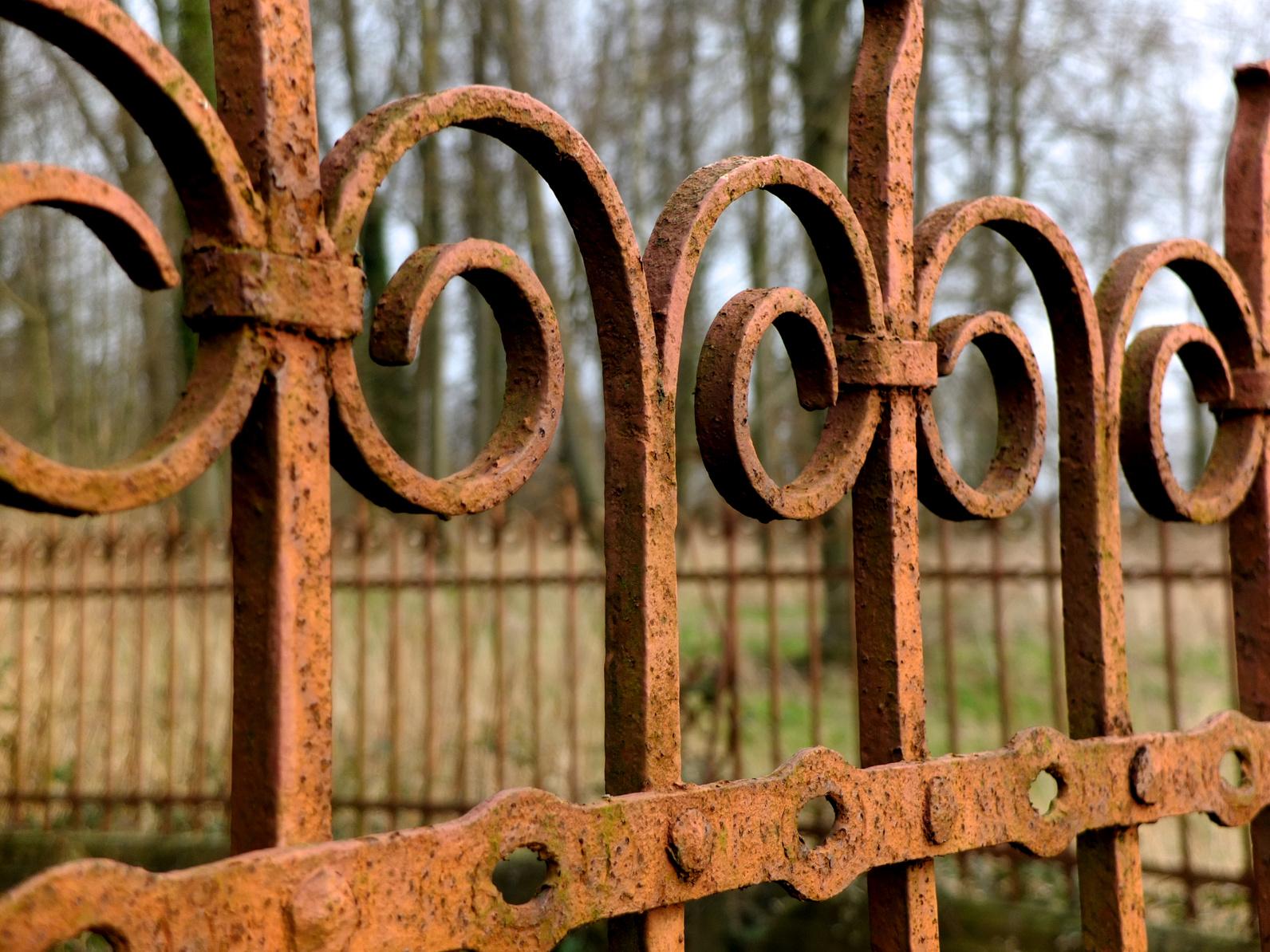 Decaper Une Terrasse enlever la rouille du fer forgé