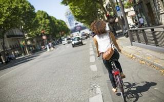 Des aides financières pour encourager la mobilité verte à Paris