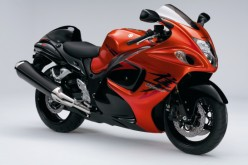 suzuki gsx 1340 r hayabusa le bonheur est dans la d mesure. Black Bedroom Furniture Sets. Home Design Ideas