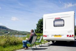 astuce n 10 comment inspecter l int rieur d une caravane les v rins et v rins de stabilisation. Black Bedroom Furniture Sets. Home Design Ideas