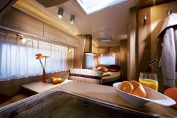 astuce n 17 comment inspecter l int rieur d une caravane. Black Bedroom Furniture Sets. Home Design Ideas