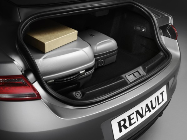 essai renault laguna coup 2008 classique mais innovante. Black Bedroom Furniture Sets. Home Design Ideas