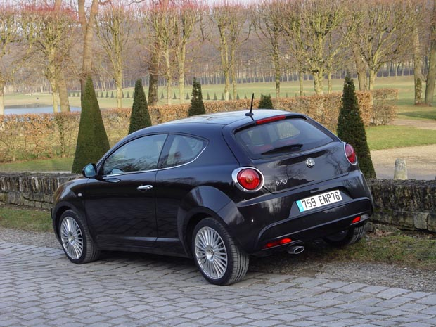 essai alfa romeo mito 2008 l 39 anti mini. Black Bedroom Furniture Sets. Home Design Ideas