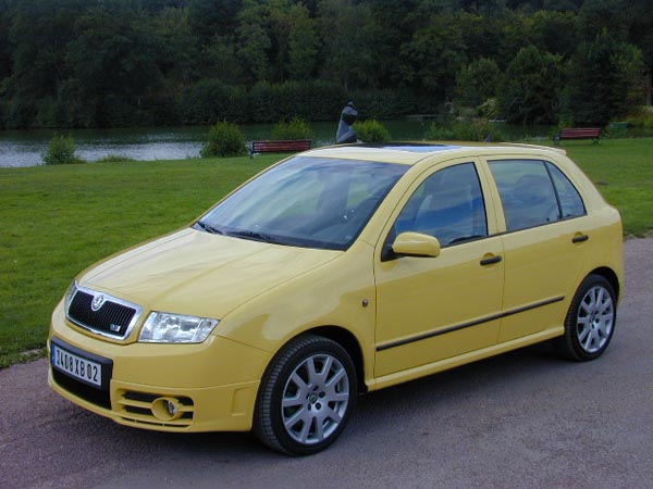 essai skoda fabia rs 1 9 tdi 2004 quand le tdi se fait gti. Black Bedroom Furniture Sets. Home Design Ideas