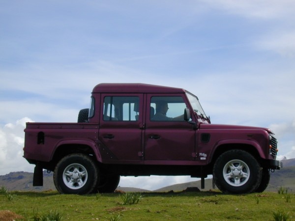 essai land rover defender 110 crew cab 2007 esp ce rare. Black Bedroom Furniture Sets. Home Design Ideas