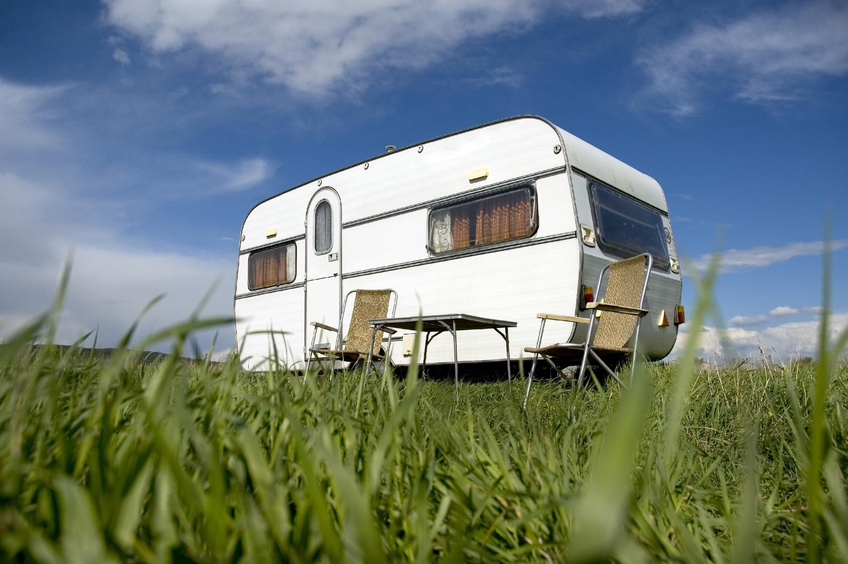 les diff rents types de caravanes et permis n cessaires. Black Bedroom Furniture Sets. Home Design Ideas