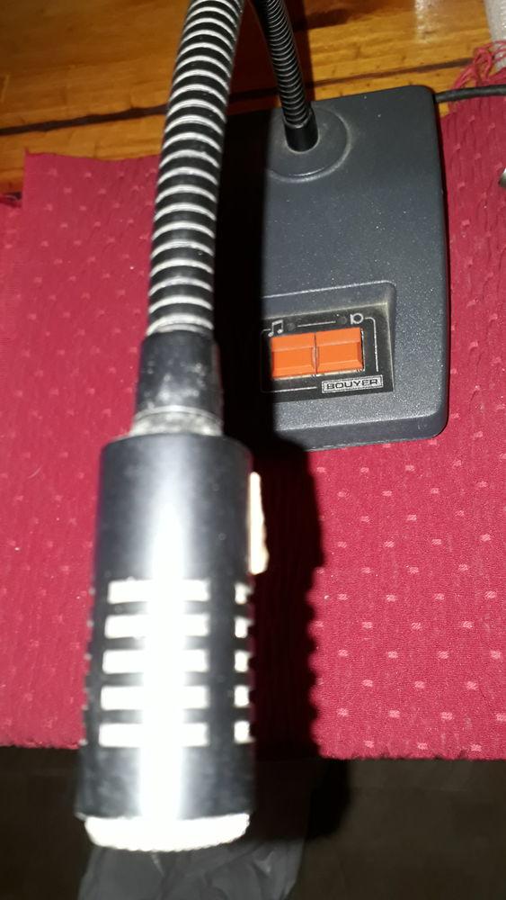 GC 1021 est un pupitre microphone 80 Serres-Castet (64)