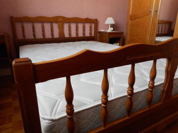 achetez lit 140x190 occasion annonce vente tournus. Black Bedroom Furniture Sets. Home Design Ideas
