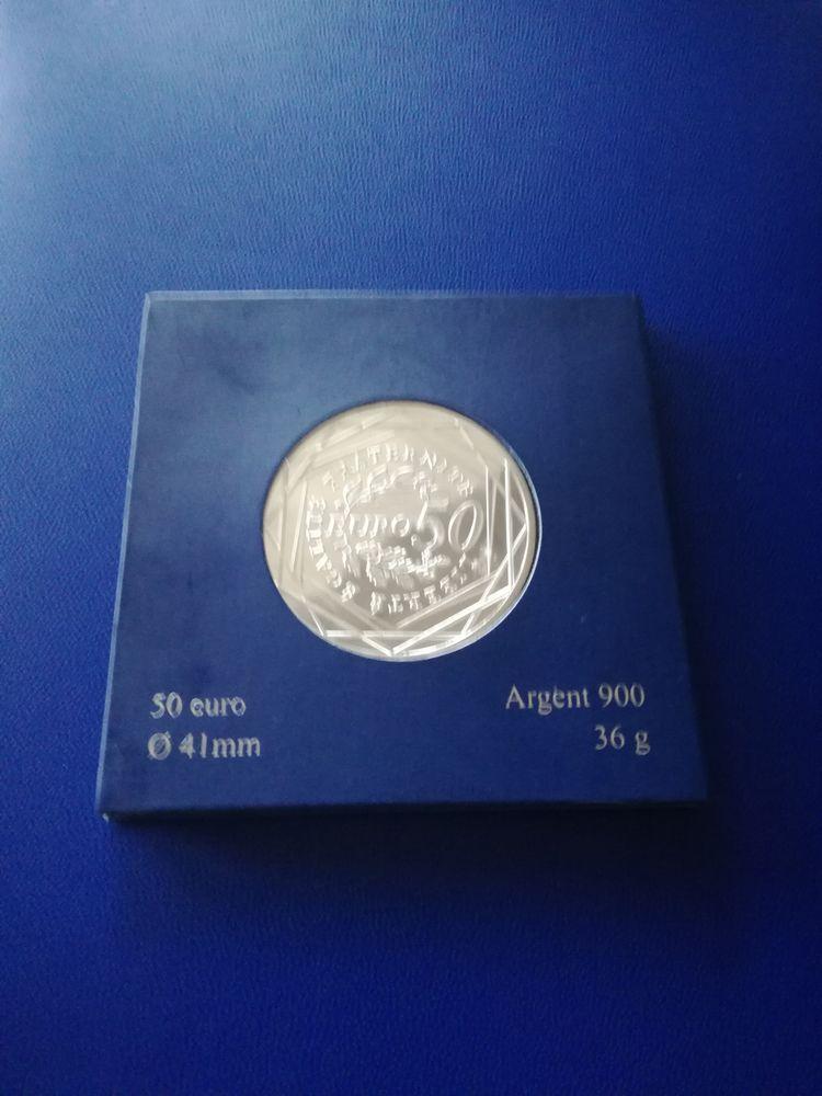 2010 France 50 euro en argent 75 Paris 2 (75)