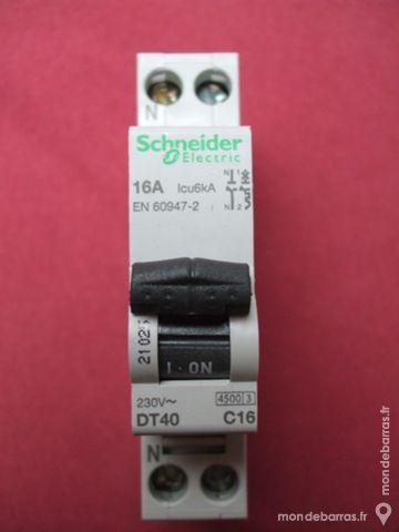 21025 Disjoncteur 16A MERLIN GERIN DT40 ref