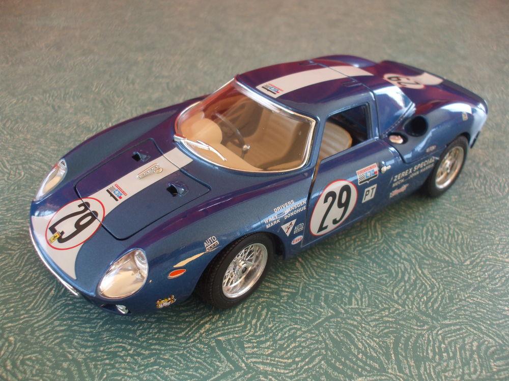 REF: 3333  FERRARI  250  LM    SEBRING    BLEUE  1965 75 Ornaisons (11)