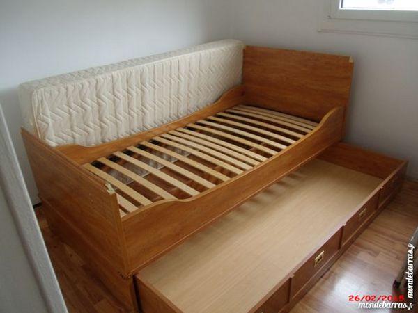 sommiers occasion saint priest 69 annonces achat et vente de sommiers paruvendu mondebarras. Black Bedroom Furniture Sets. Home Design Ideas