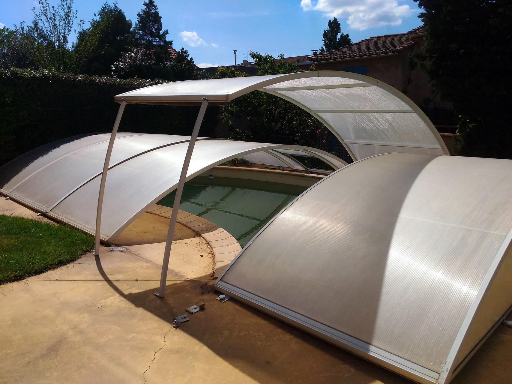 elegant abri piscine marque abrisud with abrisud bordeaux. Black Bedroom Furniture Sets. Home Design Ideas