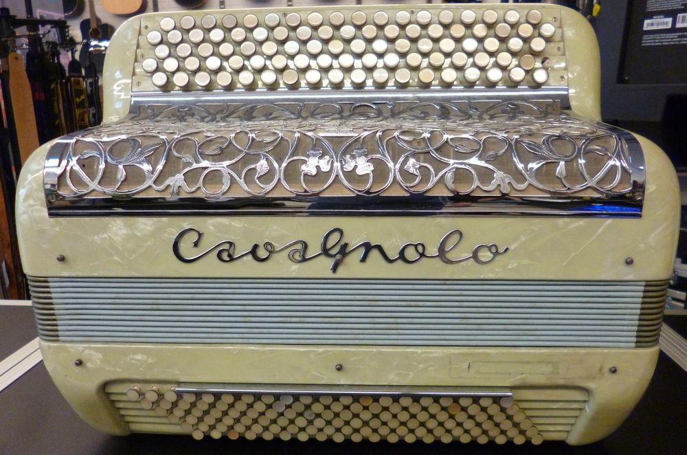 Accordéon Cavagnolo couleur crème Instruments de musique