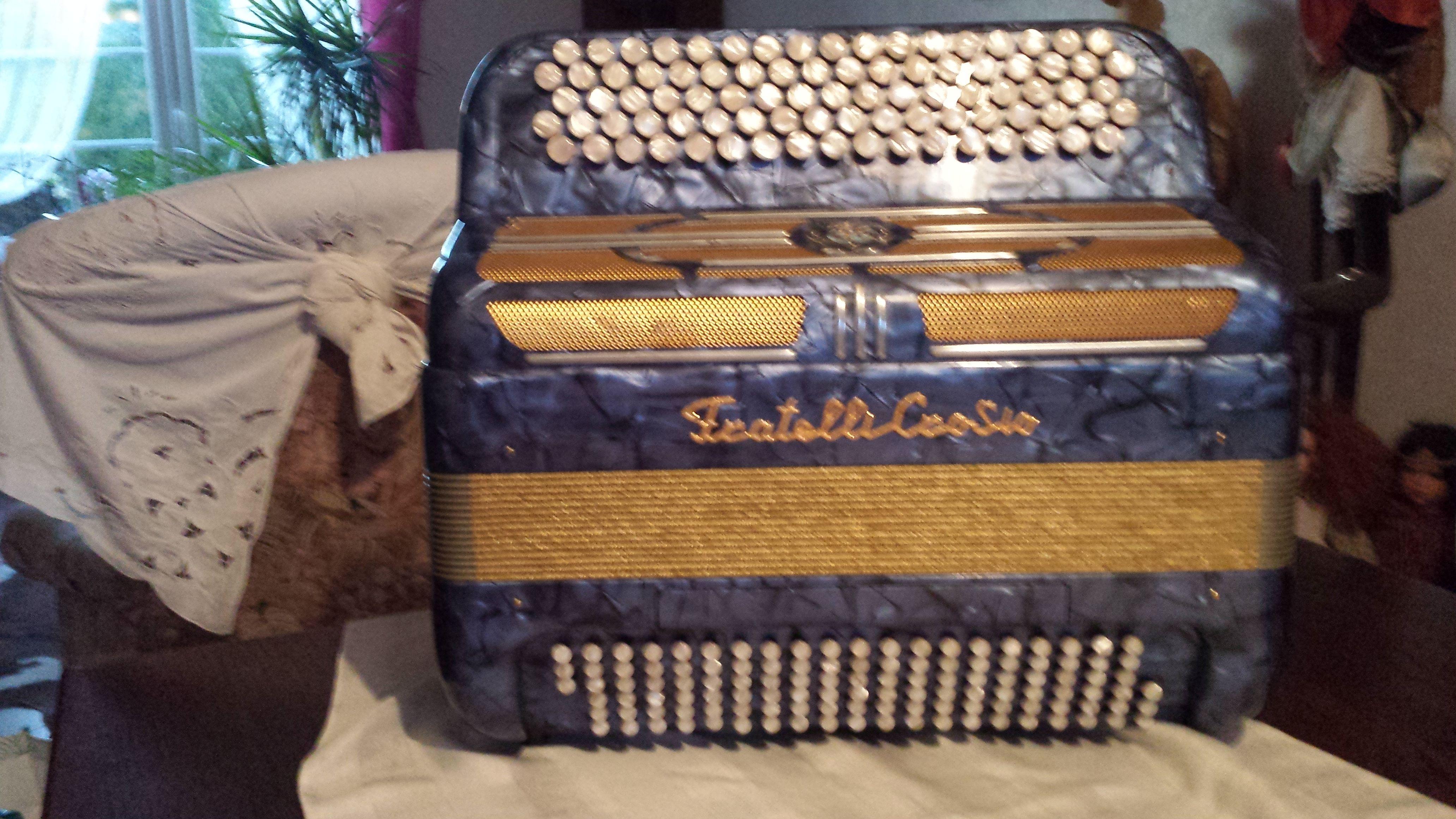 accordéon fratellycasosio. 1200 Lomme (59)