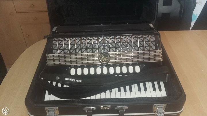 accordeon hohner atlantic IV 1900 Niederlauterbach (67)
