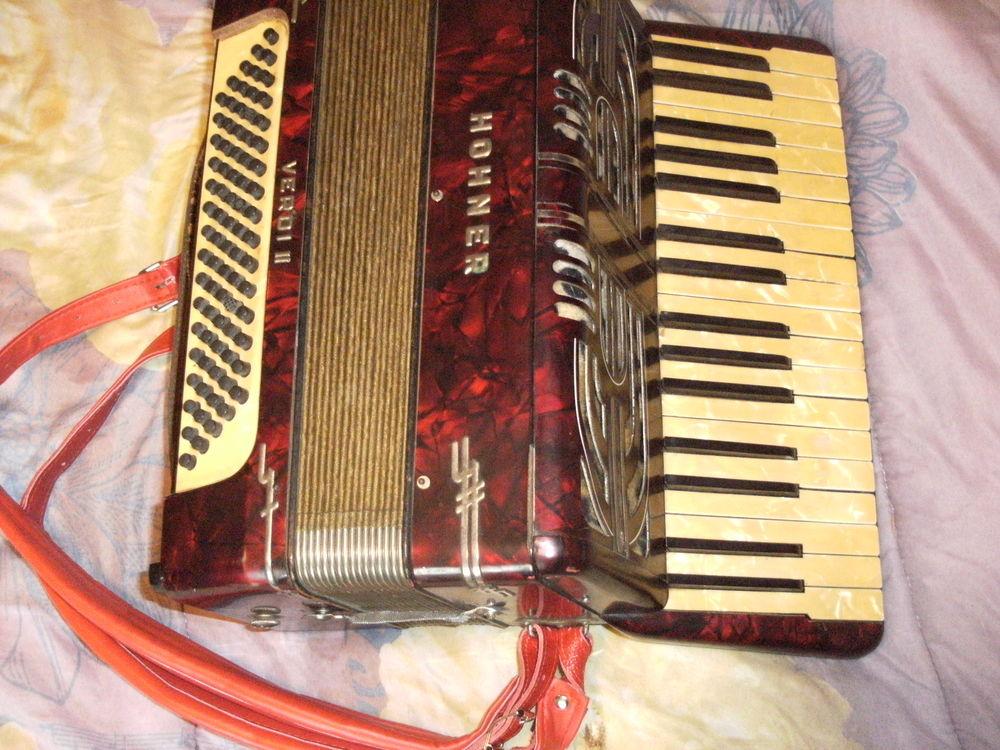 Accordeon Hohnner Vrdi II -Touches piano 150 Rablay-sur-Layon (49)