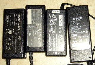 4 adapteurs chargeurs pc portables à REPARER 12 Versailles (78)