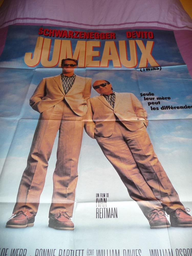 AFFICHE CINEMA JUMEAUX