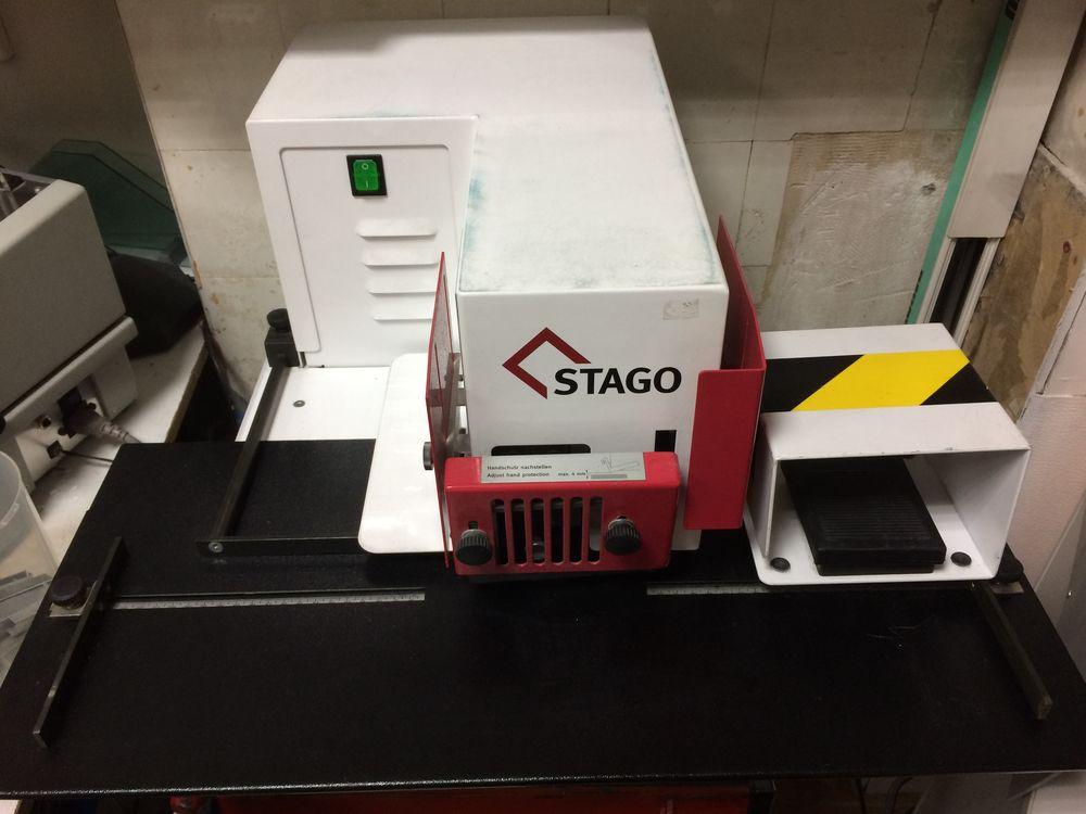 Agrafeuse électrique STAGO HM12 Matériel informatique