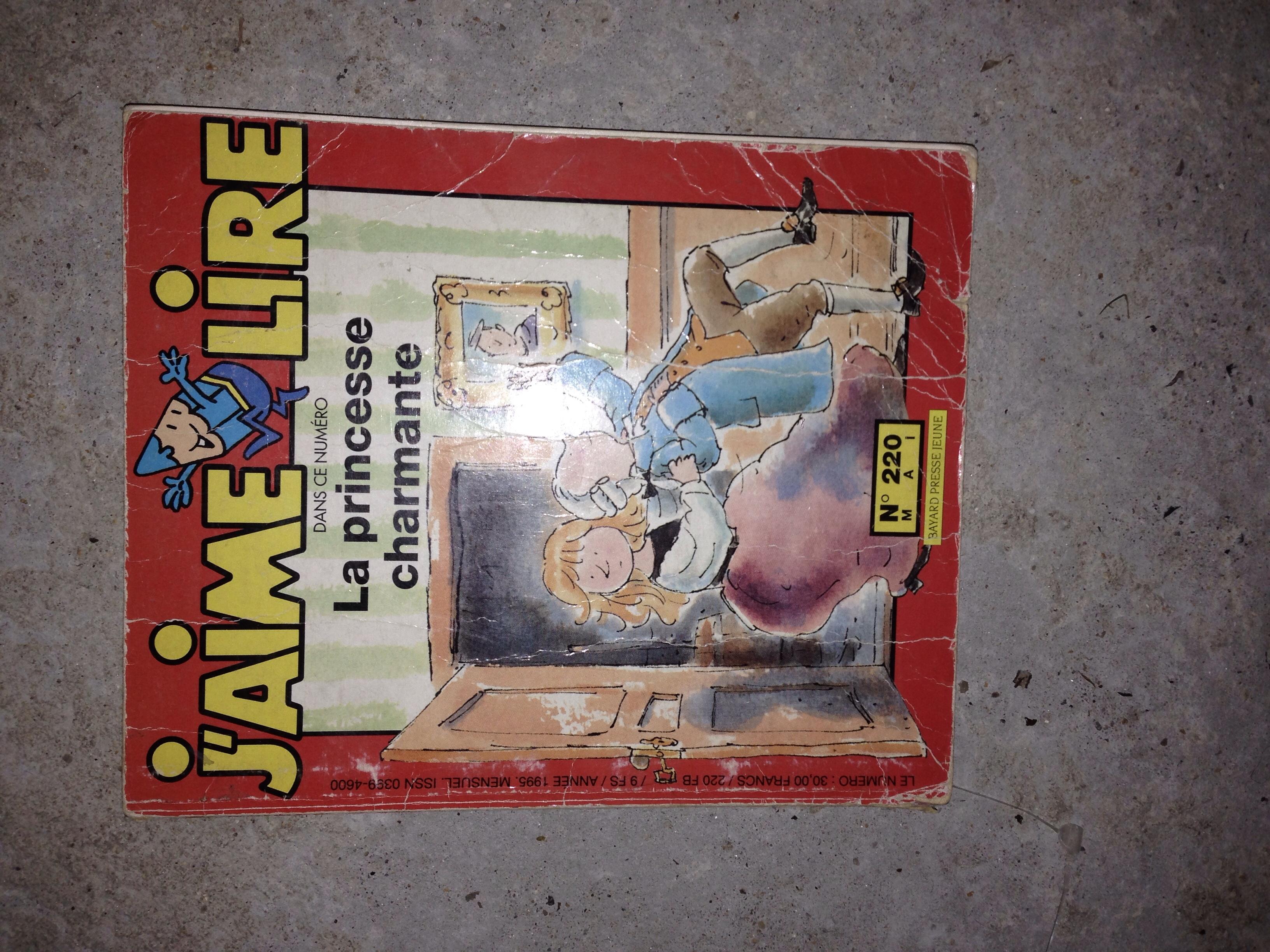 j'aime lire la princesse charmante Livres et BD