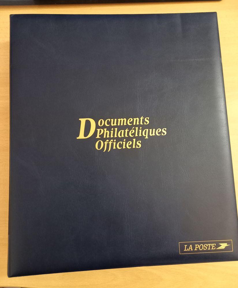Album de documents philatéliques officiels de l'année 2000 40 Grenoble (38)