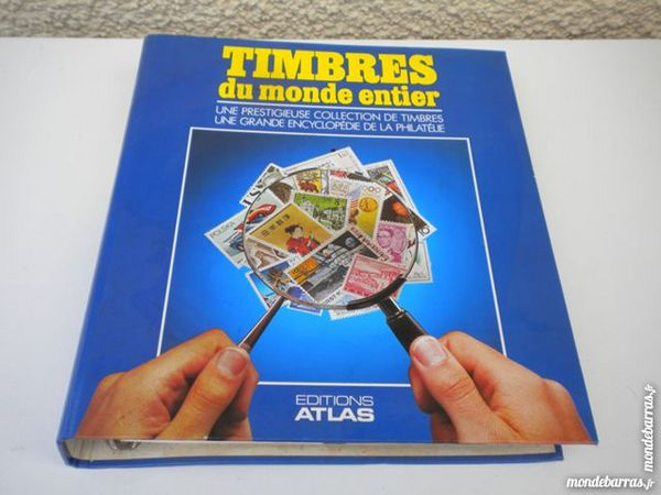 2 ALBUMS-CLASSEURS Timbres-Poste du Monde entier 29 Dammarie-les-Lys (77)