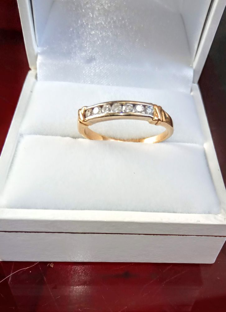 Alliance/Bague Or 18k + 7 Diamants à 0,15cts .290€.facture.  290 Quimperlé (29)
