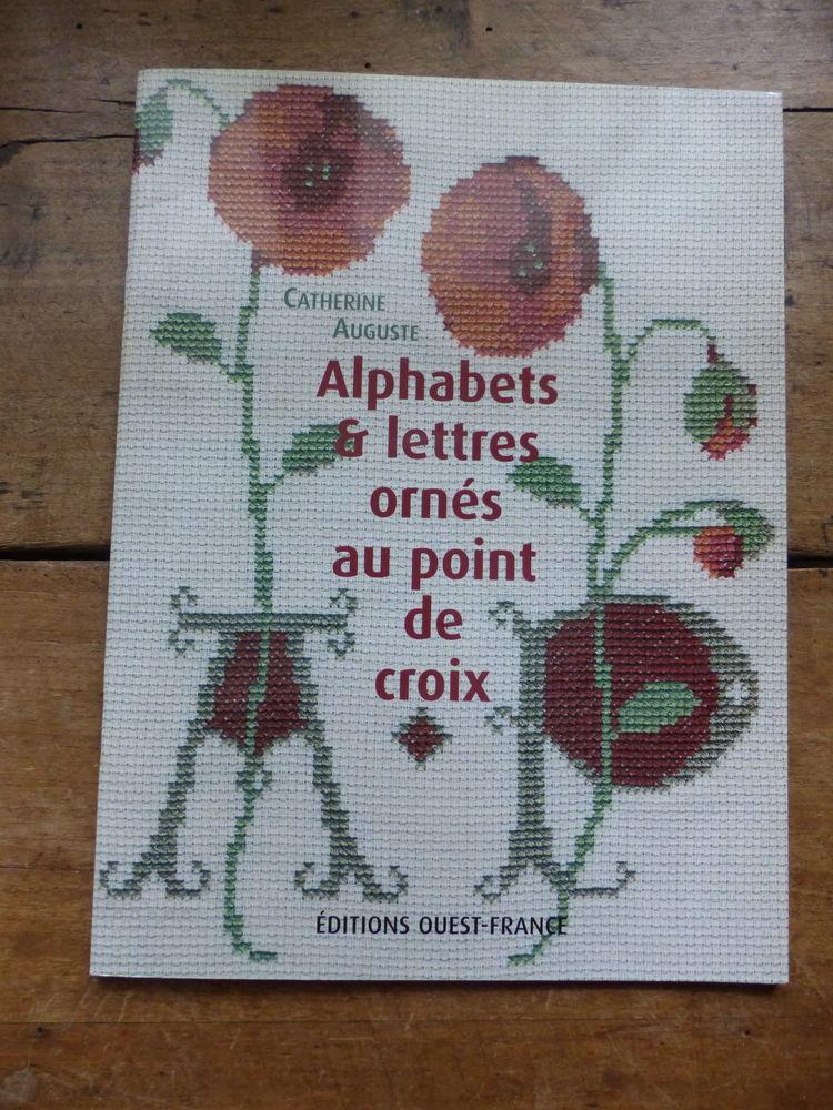 ALPHABETS et LETTRES ORNES au POINT DE CROIX 5 Roclincourt (62)