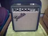 Amplis Fender Frontman 10G 0 Paris 14 (75)