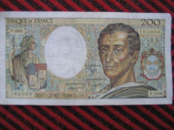 ANCIEN BILLET DE 200F VOLTAIRE ANNEE1981