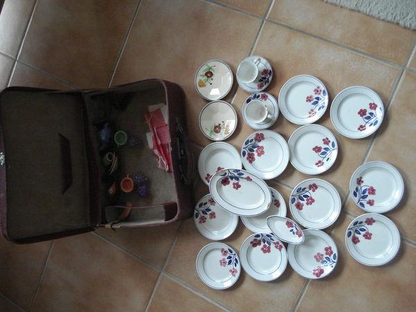 Ancien coffret de dînette HBCM de poupée vaisselle de 1950 40 Fontenay-le-Fleury (78)