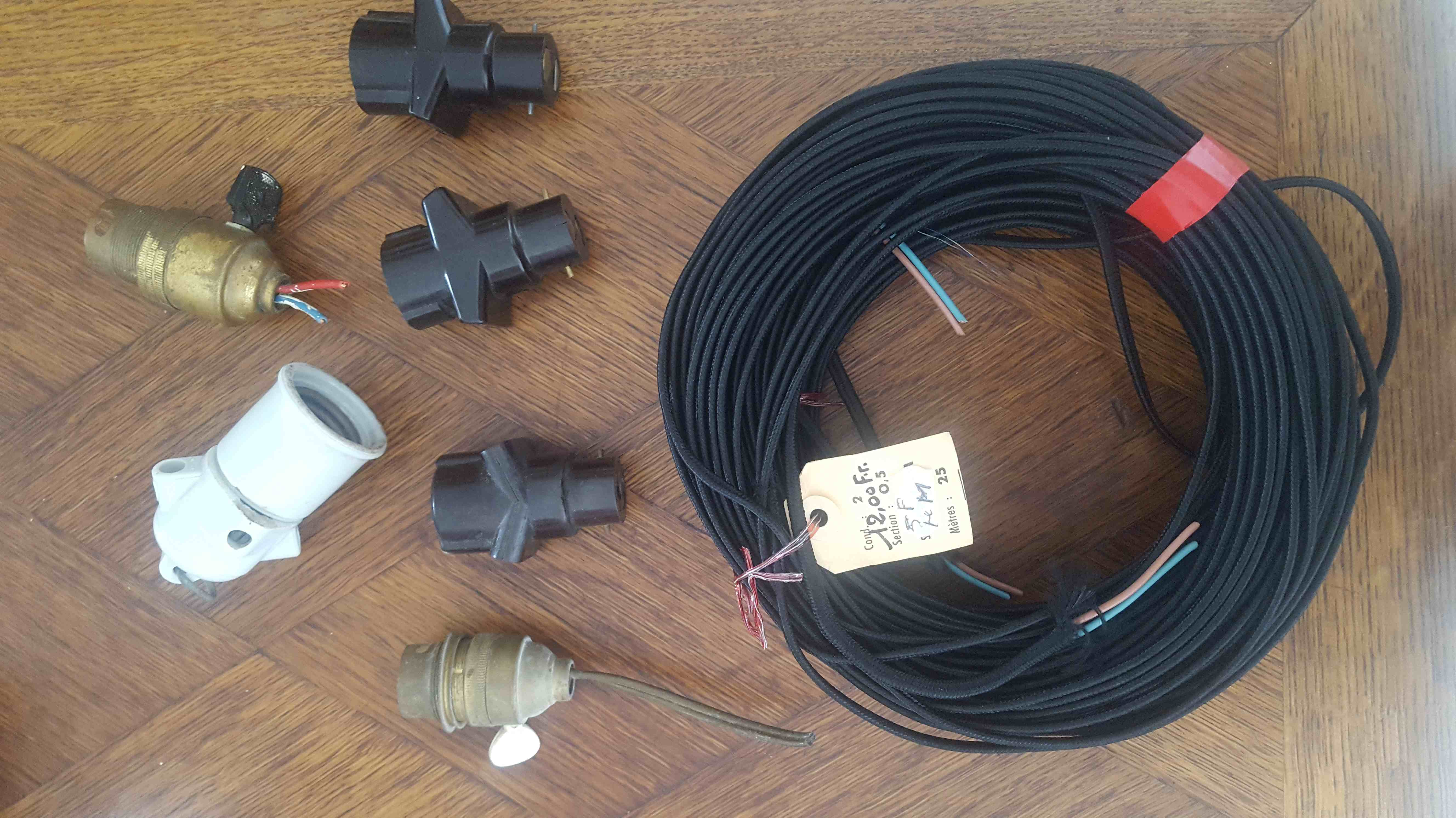 ancien  matérielles électrique vintage 60 La Belliole (89)