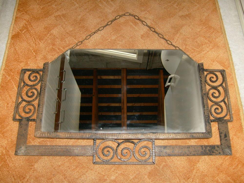 Ancien miroir bisoté, avec entourage en fer forgé 80 Varades (44)