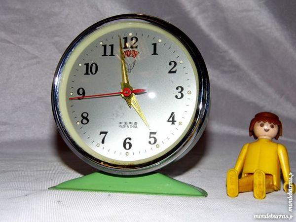 Ancien reveil pendule horloge vert années vintage 10 Dunkerque (59)