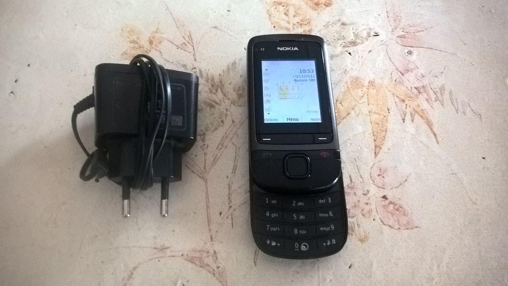 Ancien téléphone á clapet NOKIA C2-05. 32 Flers-en-Escrebieux (59)