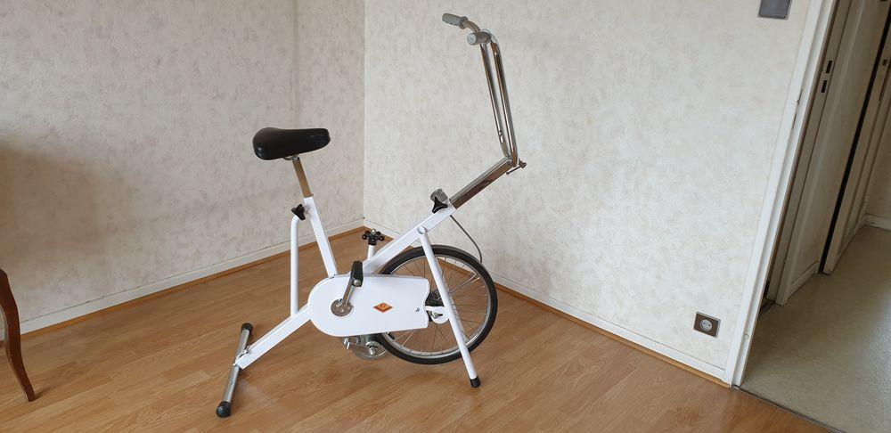 ancien vélo d'appartement 25 Le Pont-de-Claix (38)