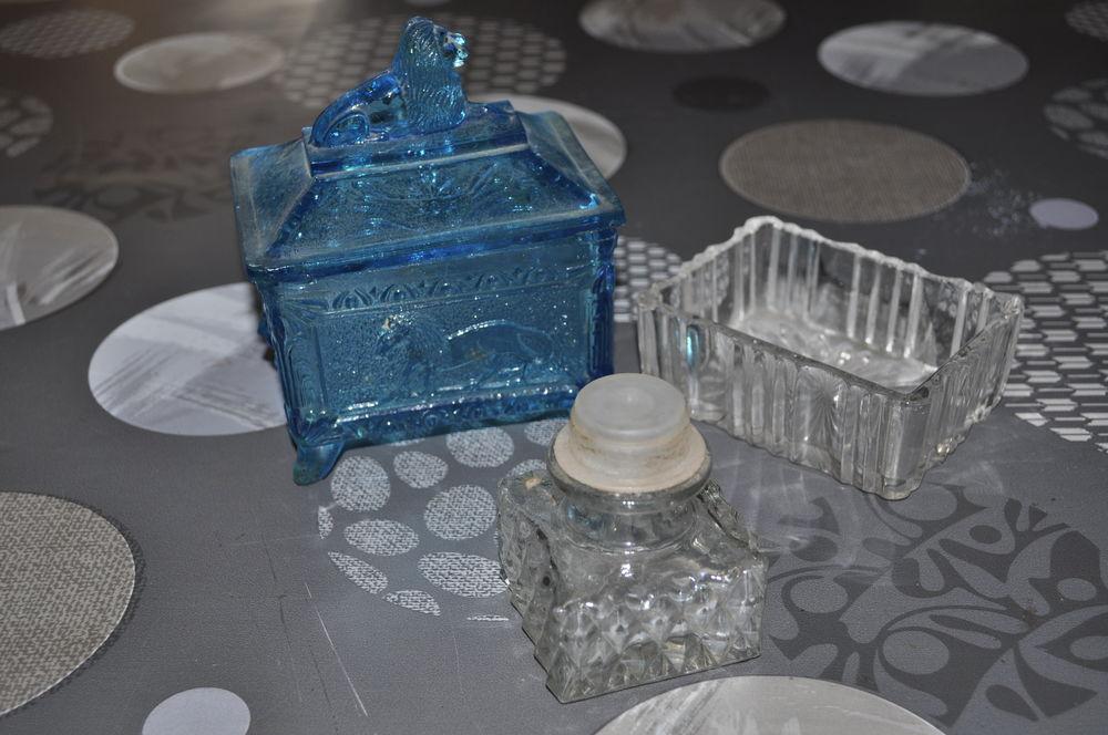 Ancienne boîtes en verres 10 Perreuil (71)
