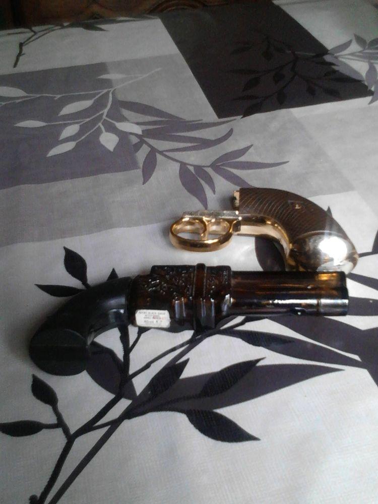 Ancienne bouteille de collection avon en forme de revolver 12 Avermes (03)