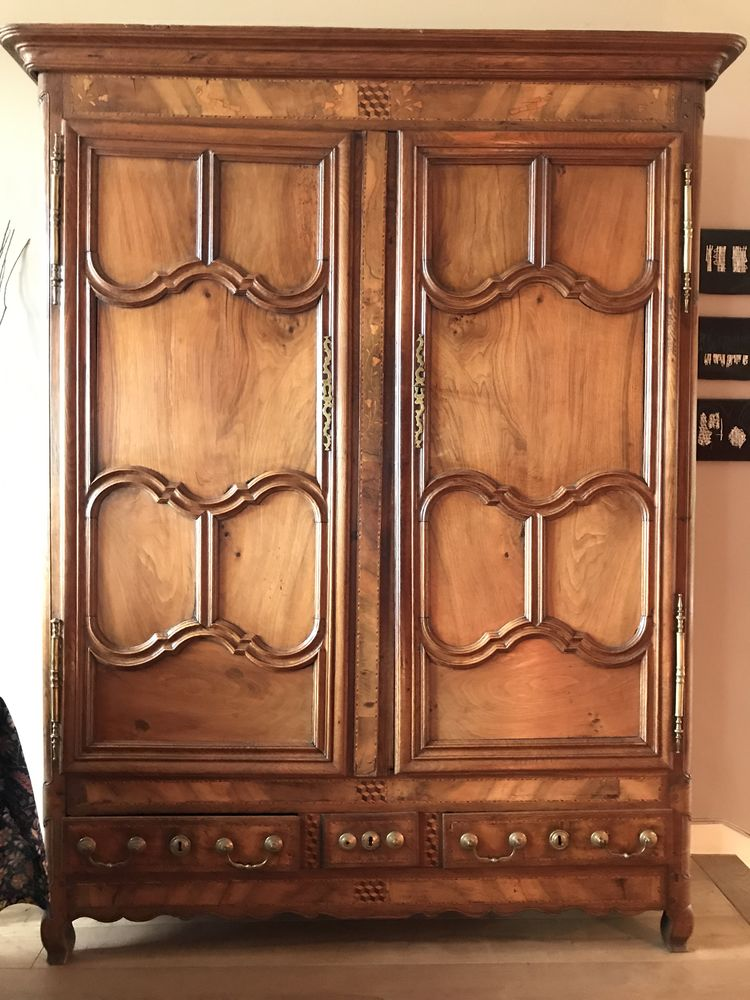 Ancienne grande armoire alsacienne en bois massif 500 Garches (92)