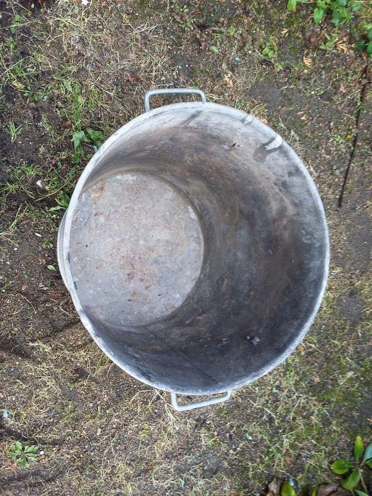 Ancienne lessiveuse zinc 30 Digoin (71)