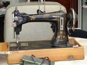 ancienne machine a coudre 40 Le Girouard (85)
