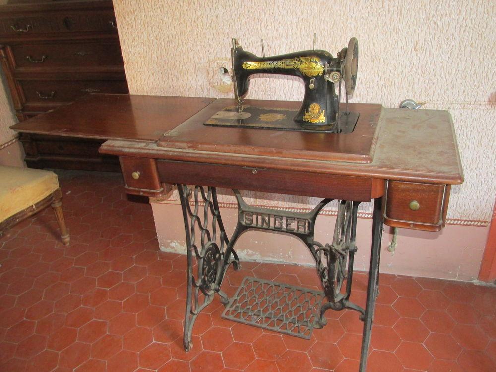 Ancienne machine a coudre 0 Béziers (34)