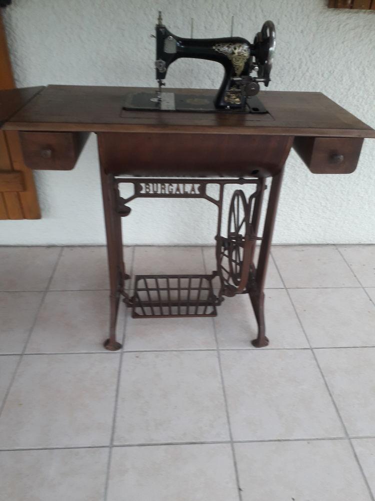 Ancienne machine à coudre RARE Burgala 150 Saint-Loubès (33)