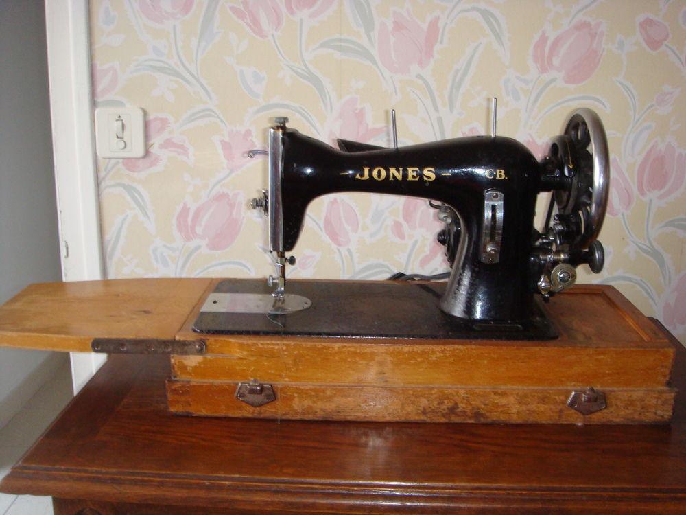 ANCIENNE MACHINE A COUDRE SINGER  0 Cholet (49)